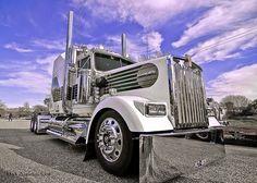 Kenworth W 900 L Limited Edition 007 azul 31 Big Rig Trucks, Dump Trucks, Cool Trucks, Peterbilt Trucks, Dodge Trucks, Custom Big Rigs, Trucks And Girls, Truck Camping, Truck Design