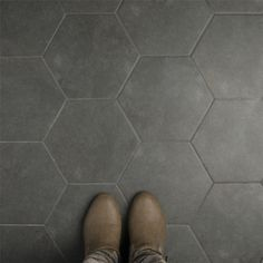 SomerTile 8.625x9.875-inch Vendimia Marengo Hex Porcelain Floor and Wall Tile (25 tiles/11.56 sqft.)
