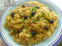 BACALHAU A BRAS /# 1 kg de morue,10/12 pommes de terre,6 œufs, 4 CS d'huile de tournesol, 4 CS d'huile d'olive,  2 oignons ( voir le site pour + d'infos)  # 2 gousses d'ail # persil