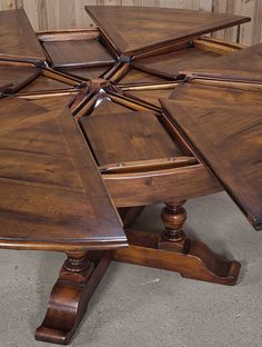 Expandable Round Dining Table | Tables | Inessa Stewartu0027s Antiques