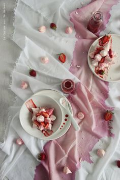 ... vacherins vanille - fraise ...