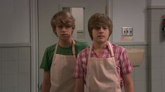 The Suite Life on Deck screencaps. Cole Sprouse Jughead, Cole M Sprouse, Dylan Sprouse, The Suite Life Movie, Zack Et Cody, Suit Life On Deck, Cody Martin, Old Disney Shows, Sprouse Bros