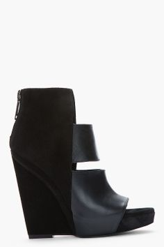 GARETH PUGH Black suede and Polished leather cut-out sandals