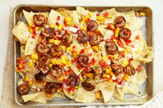 These Shrimp Nachos made with Jamaican jerk seasoning are one part spicy, one part sweet and all parts delicious. Mexican Food Recipes, Snack Recipes, Snacks, Seafood Recipes, Paleo Recipes, Super Bowl, Shrimp Nachos, Chili Nachos, Jamaican Jerk Seasoning