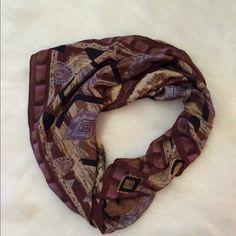 100% Authentic Oscar de la Renta scarf MINT CONDITION. No flaws on this at all. 100% authentic Oscar de la Renta silk scarf. This is 100% silk.  35 inches long. NO TRADES PLEASE  Oscar de la Renta Accessories Scarves & Wraps