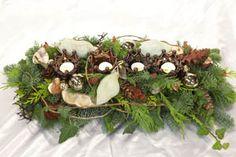kerst workshops - langwerpig tafelstuk met kroontjes windlichtjes - christa snoek