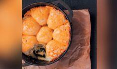 Maak vir Nasionale Braaidag 'n soutbrood South African Recipes, Ethnic Recipes, Snack Recipes, Snacks, Easy Recipes, 24 September, Cornbread, Chips, Easy Meals