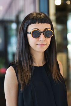 Serena's pick: statement sunglasses by MYKITA – historical round-shaped GIGI in Dark Blue gets a futuristic makeover via the SHADES clip-on in Fluor Orange. https://mykita.com/de#layer:/de/sonnenbrillen/no2-sun/gigi