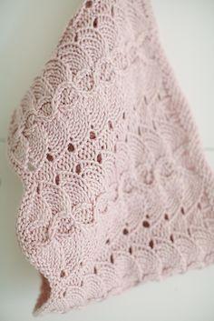 Ravelry: Rosebury pattern by Lynn Di Cristina