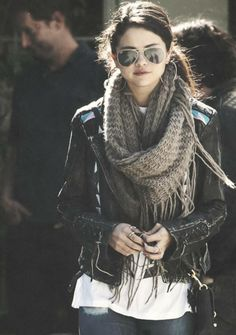 I love her outfit <3