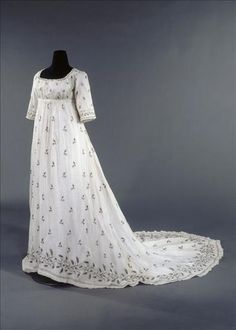 Dress, 1800-05 Europe, Musée de la Mode de la Ville de Paris