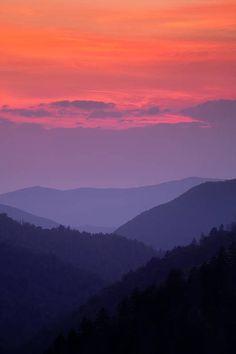 Mountain Sunset, Smoky Mountain, Mountain Art, Sunset Photography, Landscape Photography, Photography Tips, Grunge Photography, Photography Aesthetic, Sunset Art