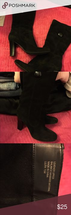 Ladies black suede leather dress boots size 7.5 Super cute ladies suede leather dressy boots size 7.5. Excellent condition, only wore once or twice. True to size. Smoke free home. Thanks for the interest and God Bless Franco Sarto Shoes Heeled Boots