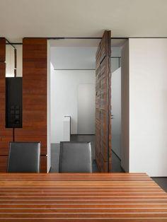 House B-Wald by Alexander Brenner Architekten Minimalist House Design, Minimalist Home, Beautiful Architecture, Interior Architecture, Door Design Interior, Pivot Doors, Wood Blinds, Ceiling Design, Home Living Room