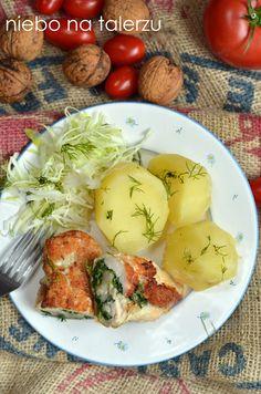 Pierś z kurczaka ze szpinakiem, serem feta i orzechami - niebo na talerzu