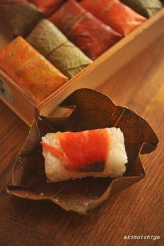 Kaki-no-ha Zushi - Oshizushi wrapped by persimmon leaves - Speciality around Nara & Wakayama Pref. 柿の葉寿司