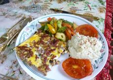 BOBOTIE Introduced to South Africa by the Cape Malays , this Indonesian curried meat loaf is to South Africa what Moussaka is to . Banting Recipes, Atkins Recipes, Veggie Recipes, Gluten Free Recipes, Beef Recipes, Low Carb Recipes, Cooking Recipes, Healthy Recipes, Healthy Foods