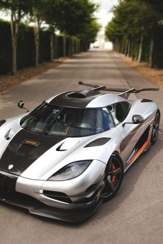 TheManliness / Koenigsegg One:1 | Source | MVMT