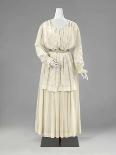 1916-1917, the Netherlands - Silk dress by G. Bolsman-Huizinga and A.M. Geers