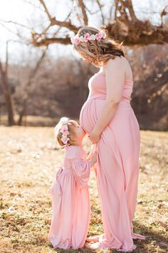 Boho maternity shoot with matching dresses and flower crowns