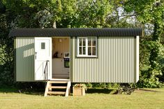 traditional shepherd's hut in england - tiny house swoon