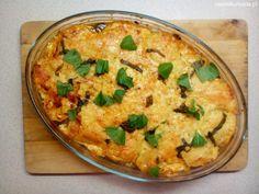 Zapiekanka z tuńczykiem, ziemniakami, cukinią i bazylią: http://www.zasmakowana.pl/zapiekanka-tunczykiem-ziemniakami-cukinia/