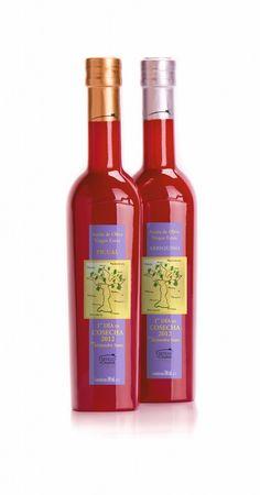 Que puede ser más delicioso que las colecciones del Primer Día de las Botellas Rojas de Castillo de Canena, que este año, recreo Alejandro Sanz