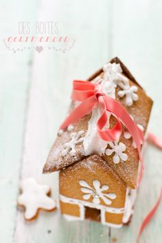 Great gift idea! Tiny gingerbread house filled with sables.