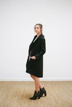 LOOK 8 -  catalogo - vestido em seda estampada - casaco oversized em lã