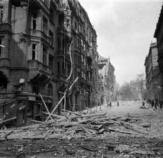 Praha po bombardování v únoru 1945 Old Photography, Czech Republic, Homeland, World War Ii, Cruise, Germany, Military, River, Prague Cz