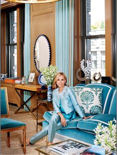 living-gazette-barbara-resende-decor-escritorio-tory-burch-sofa-azul