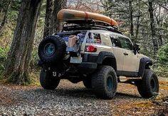Canoe FJ Toyota Garage, Toyota Trucks, 4x4 Trucks, Fj Cruiser Off Road, Toyota Fj Cruiser, Ranger Car, Nissan, Best Off Road Vehicles, Off Road Adventure