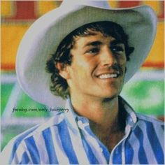 Luke Perry as Lane Frost