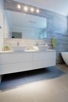 miroir salle de bain lumineux avec quatre grands leds