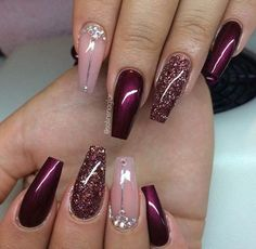 Gelnägel Muster Weinrot … - Most Trending Nail Art Designs in 2018 Fabulous Nails, Gorgeous Nails, Pretty Nails, Perfect Nails, Burgundy Nails, Burgundy Color, Purple And Pink Nails, Deep Red Nails, Deep Burgundy