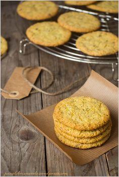 Biscotti alle mandorle con semi e cardamomo - Almond cardamom and seed cookies