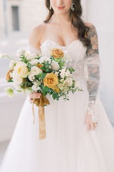 """From the editorial """"A Bosc Pear - AKA the Wedding Color Palette Inspiration We Never Knew We Needed."""" This wedding inspiration was born out of a love for the rich color of a Bosc pear. We are swooning over every little detail!  Photography: @sarahharrisphoto  #weddingbouquet #weddingflowers #weddingfloraldesign #weddingflorist"""