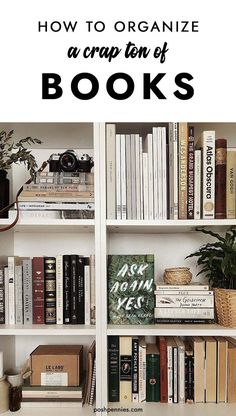Need some ideas for organizing that big book collection? I got you covered. Check out these 17 sweet tips and satisfy your inner librarian. You can be organized and chic at the same time! Learn How to organize books & bookshelves like a pro. Styling Bookshelves, Decorating Bookshelves, Ideas For Bookshelves, Diy Bookshelf Design, Apartment Bookshelves, Bookcases, Bookshelf Organization, Organize Bookshelf, Office Wall Organiser