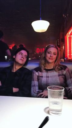 aw the way he looks at her <3 #SprouseHart