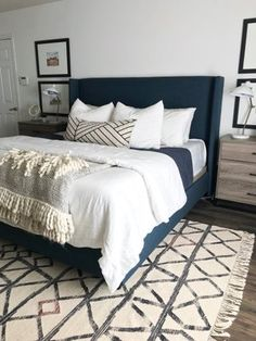 Blue Bedroom Ideas - Blue is the most prominent color, and its tranquil and laid-back vibe makes it best for the bedroom. Right here's how to embellish with your favorite . Modern Bedroom Furniture, Modern Bedroom Design, Contemporary Bedroom, Interior Design Living Room, Blue Master Bedroom, Ikea Bedroom, Bedroom Ideas, Masculine Master Bedroom, Master Bedrooms