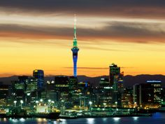 NEW ZEALAND: Auckland. Another very beautiful harbour city. (Photo: Auckland from the harbour. Places Around The World, Oh The Places You'll Go, Places To Travel, Places To Visit, Around The Worlds, Vanuatu, Norfolk, Papua Nova Guiné, Viajes