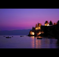 www.macedonievakantiehuis.com Ohrid at night, Macedonia City O, Destin Resorts, Republic Of Macedonia, Places To See, Places To Travel, Places Ive Been, Amazing Destinations, Greece, Vacation Ideas
