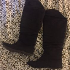 Black boots Size 8.5, worn but in good condition Shoes Over the Knee Boots
