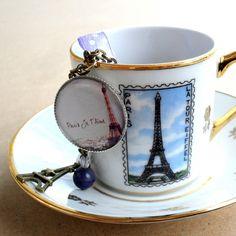 Paris Je T\aime - Párizs szeretlek nyaklánc - Eiffel, Anyák napja, névnap, születésnap, ajándék, Ékszer, óra, Nyaklánc, Meska #eiffel #paris #necklace #meska Handmade Crafts, Tea Cups, Hanger, Wreaths, Tableware, Rings, Clothes Hanger, Dinnerware, Door Wreaths
