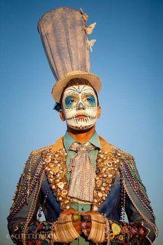 burning man - awesome Festival or Halloween mask for you Burning Man Mode, Burning Man Style, Burning Man Fashion, Mardi Gras Costumes, Halloween Costumes, Male Costumes, Clown Costumes, Halloween 2013, Cosplay Costumes