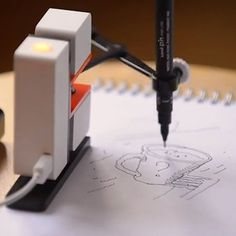 This robot arm can be your tiny doodling buddy.