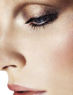 valeria dmitrienko monika rohanova by arved colvin smith for wonderland magazine winter 2013 2014 5 Wonderland Winter 2013 Makeup Trends, Makeup Inspo, Makeup Inspiration, Makeup Ideas, All Things Beauty, Beauty Make Up, Hair Beauty, Pretty Makeup, Makeup Looks