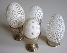 Slovenian artist, Franc Grom creates egg art that can compete with Fabergé eggs in their unique beauty. In fact, he continues old traditions in modern art. Egg Crafts, Easter Crafts, Arts And Crafts, Egg Shell Art, Carved Eggs, Diy Ostern, Unusual Art, Beltane, Egg Art