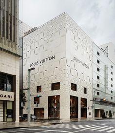 Новый фасад бутика Louis Vuitton в Токио