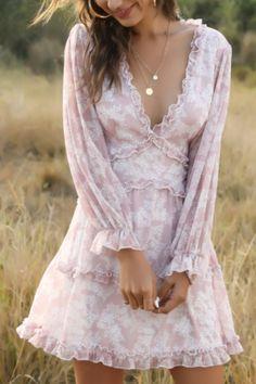 Flowy Floral Dress, Pink Dress Casual, Feminine Dress, Feminine Style, Casual Dresses, Romantic Outfit, Romantic Style Fashion, Nice Dresses, Summer Dresses